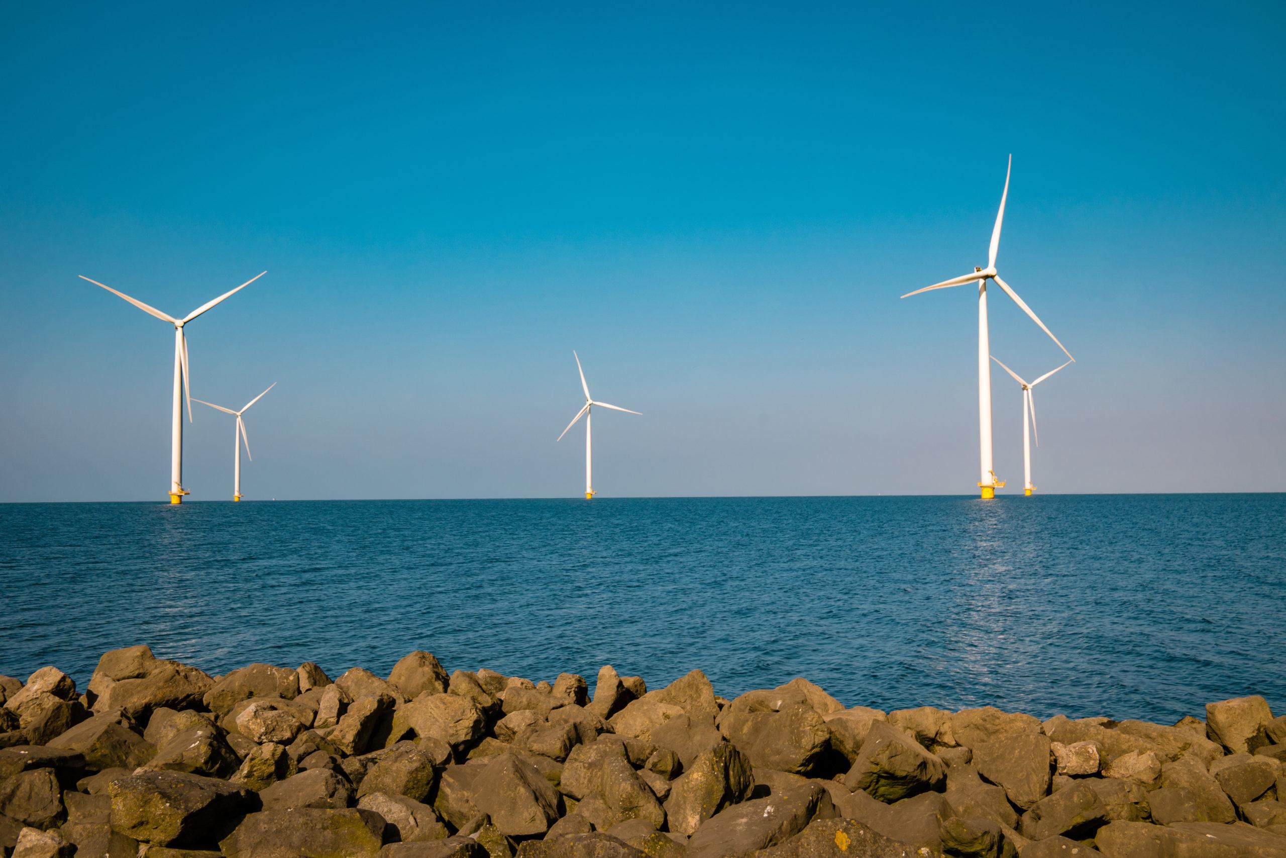 Światowe zasoby energetyki wiatrowej sięgają 743 GW