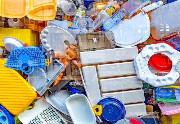 Czy polskie regulacje skutecznie egzekwują zakaz palenia śmieci w piecach?